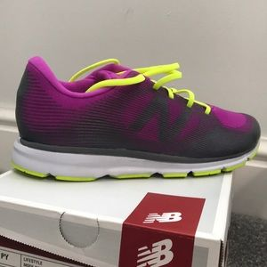 Women's New Balance 521 shoe